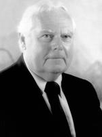 Robert E. Graul